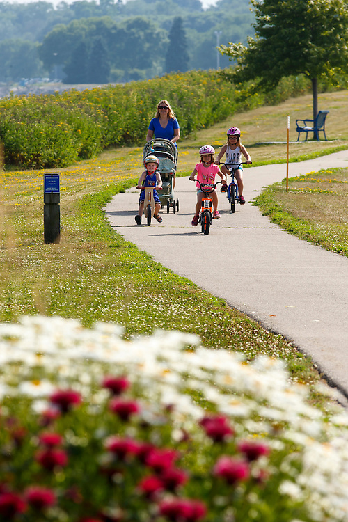 Mariners Trail between Manitowoc and Two Rivers, Wisconsin.  Photo by Mike Roemer