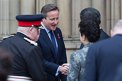 © Licensed to London News Pictures . 23/10/2015 . Manchester , UK . British Prime Minister DAVID CAMERON (2nd from l) shakes hands with Chinese president , Xi Jinping with Lord Mayor of Manchester outside Manchester Town Hall during a Chinese state visit to Manchester as part of his state visit to the United Kingdom . Photo credit: Joel Goodman/LNP