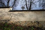 Domazlice/Tschechische Republik, CZE, 13.12.06: Friedhofsmauer der westböhmischen Stadt Domazlice.<br /> <br /> Domazlice/Czech Republic, CZE, 13.12.06: Cemetary wall at the West Bohemia city Domazlice.