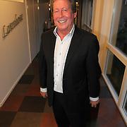 NLD/19-04-2012/ - Hans Kazan na optreden in bejaardehuis in Laren