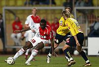 Fotball<br /> Frankrike 2004/05<br /> Monaco v Sochaux<br /> 19. november 2004<br /> Foto: Digitalsport<br /> NORWAY ONLY<br /> SHABANI NONDA (MON) / JOHAN LONFAT (SOC)
