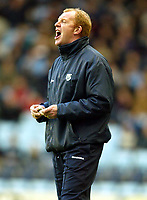 Photograph: Scott Heavey.<br />Coventry v West Bromwich Albion. Nationwide Division One. 20/12/2003.<br />Gary Megson barks orders