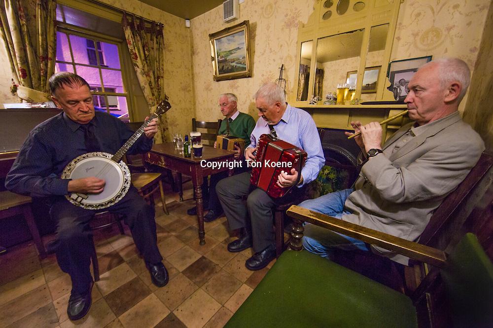 local band in a Pub in cushendall