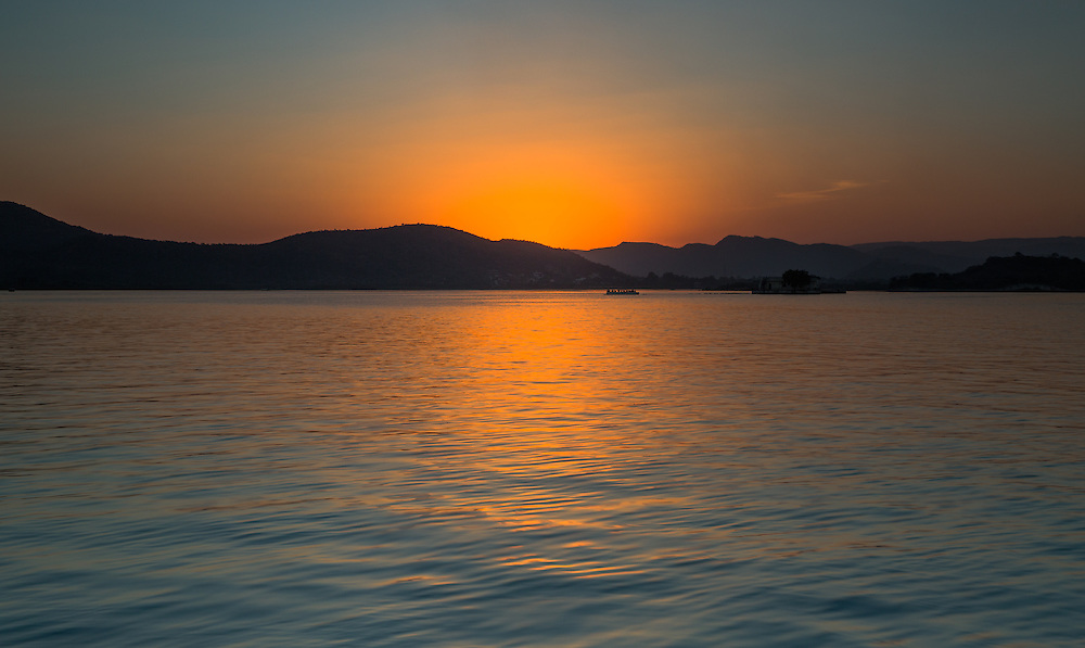 Last light over Lake Pichola in Udaipur, Rajasthan.