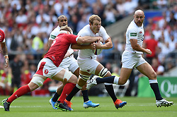 Joe Launchbury of England takes on the Wales defence - Mandatory byline: Patrick Khachfe/JMP - 07966 386802 - 11/08/2019 - RUGBY UNION - Twickenham Stadium - London, England - England v Wales - Quilter International