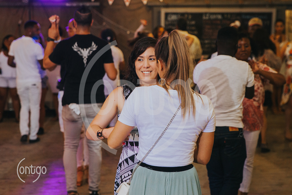 Latin Night at the Lodge |  All White Party | 09/02/18 | Photos by: Stephanie Ramones, Contigo Photos + Films | Please give proper event and photo credit when shared or use. Please do not remove watermarks or alter images in anyway. For Personal use only.