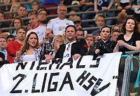 """Fotball<br /> Tyskland<br /> 18.05.2014<br /> Foto: Witters/Digitalsport<br /> NORWAY ONLY<br /> <br /> Fans HSV """"Niemals 2. Liga""""<br /> <br /> Fussball Bundesliga, Relegation Rueckspiel, <br /> SpVgg Greuther Fürth - Hamburger SV"""