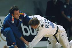 27-05-2006 JUDO: EUROPEES KAMPIOENSCHAP: TAMPERE FINLAND<br /> Finale -90 kg tussen Alarza David (SPA en Pershin Ivan (RUS)<br /> ©2006-WWW.FOTOHOOGENDOORN.NL
