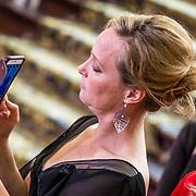 NLD/Amsterdam/20170326 - Pr. Margarita en Sheila de Vries presenteren nieuwe sieradencollectie, Margarita neemt een foto met haar telefoon
