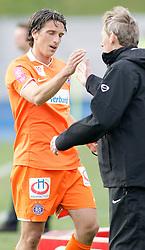 10-10-2011 ALGEMEEN: HANDEN IN DE SPORT: AL OVER THE WORLD<br /> Handshaking, handen, signs, handje klap, begroeting, handshaking, yell, bal, vreugde, hands, celebrate, sport, sports, voetbal, item<br /> ©2012-FotoHoogendoorn.nl
