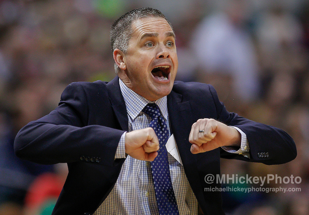 INDIANAPOLIS, IN - DECEMBER  20: Interim coach Chris Holtmann of the Butler Bulldogs  at Bankers Life Fieldhouse on December 20, 2014 in Indianapolis, Indiana. Indiana defeated Butler 82-73. (Photo by Michael Hickey/Getty Images) *** Local Caption *** Chris Holtmann
