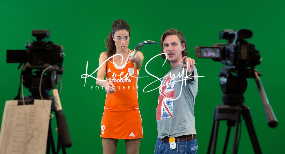DEN BOSCH -  Naomi van As  met Florian  Mulder. . Nederlands Hockeyteam  voor nieuwe platform Hockey.nl.    FOTO KOEN SUYK
