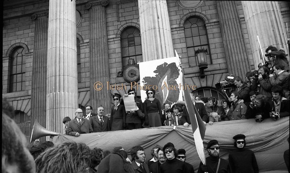 Sinn Fein (Provo) Dublin Parade.   K22..1976..25.04.1976..04.25.1976..25th April 1976..Sinn Fein held an Easter Rising Commemorative  parade..The parade started at St Stephens Green, Dublin and proceeded through the streets to the G.P.O.in O'Connell Street, the scene of the centre of the 1916 uprising..Image shows the reading of the proclamation of independence which was originally read out by the leader of the 1916 Rising,Padraig Pearse.
