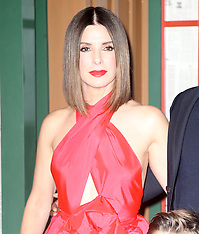 Sandra Bullock Stuns in Red Dress at 'Bird Box' premiere - 17 Dec 2018