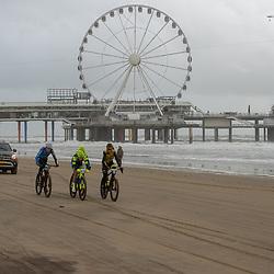 09-12-2018: Wielrennen: EK beachrace: Scheveningen<br />De koplopers, Lars Boom, Richard Jansen, Bram Imming, Bram Rood