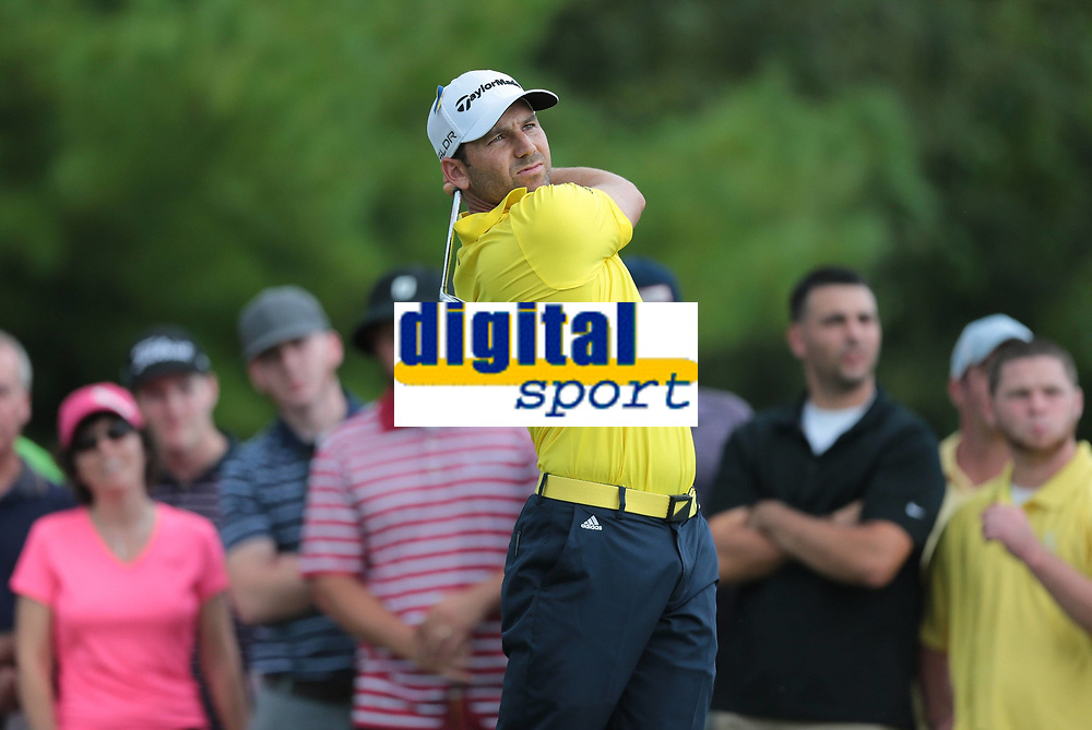 Golf<br /> Foto: imago/Digitalsport<br /> NORWAY ONLY<br /> <br /> September 2, 2013: Sergio Garcia follows his drive on 3 during the Final Round of the Deutsche Bank Championship at TPC Boston, Norton, MA on September 2, 2013.