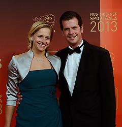 17-12-2013 ALGEMEEN: SPORTGALA NOC NSF 2013: AMSTERDAM<br /> In de Amsterdamse RAI vindt het traditionele NOC NSF Sportgala weer plaats. Op deze avond zullen de sportprijzen voor beste sportman, sportvrouw, gehandicapte sporter, talent, ploeg en trainer worden uitgereikt / Marleen van Iersel met haar broer Rein<br /> ©2013-FotoHoogendoorn.nl