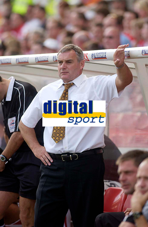Photo. Glyn Thomas.Digitalsport<br /> Stoke City v Wolverhampton Wanderers. <br /> Coca Cola Championship. 08/08/2004.<br /> The Wolves' manager is less than impressed with his side's 2-1 defeat.