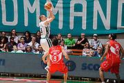 DESCRIZIONE : Siena Lega A 2008-09 Playoff Finale Gara 2 Montepaschi Siena Armani Jeans Milano<br /> GIOCATORE : Rimantas Kaukenas<br /> SQUADRA : Montepaschi Siena<br /> EVENTO : Campionato Lega A 2008-2009 <br /> GARA : Montepaschi Siena Armani Jeans Milano<br /> DATA : 12/06/2009<br /> CATEGORIA : tiro<br /> SPORT : Pallacanestro <br /> AUTORE : Agenzia Ciamillo-Castoria/G.Ciamillo