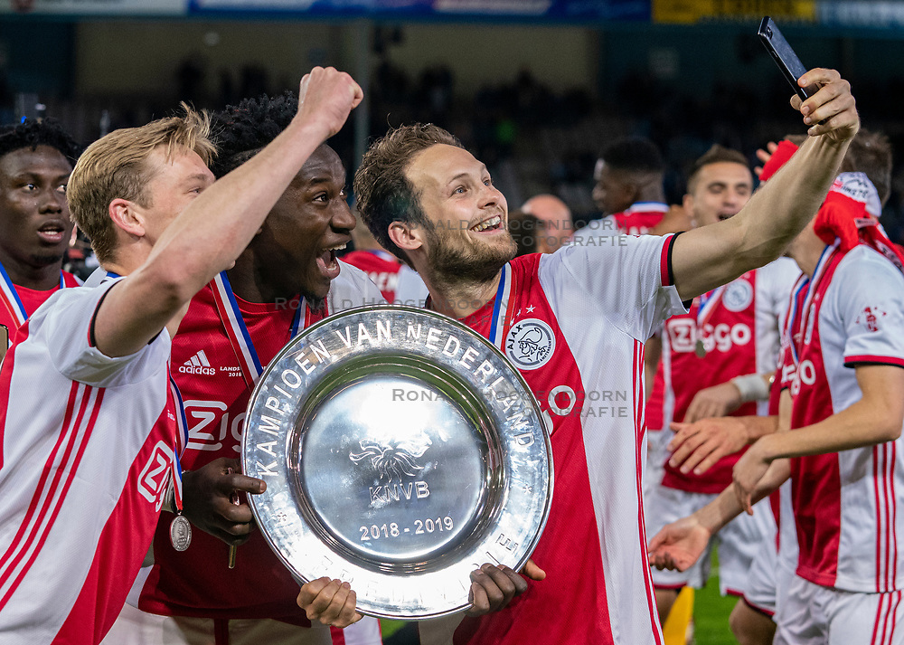 15-05-2019 NED: De Graafschap - Ajax, Doetinchem<br /> Round 34 / It wasn't really exciting anymore, but after the match against De Graafschap (1-4) it is official: Ajax is champion of the Netherlands / Frenkie de Jong #21 of Ajax, Andre Onana #24 of Ajax, Daley Blind #17 of Ajax