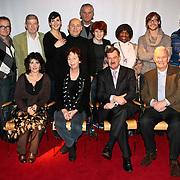 NLD/Amsterdam/20100201 - Perspresentatie Hunebed tot Hyves: de cabaretcanon van de Nederlandse geschiedenis, groepsfoto