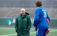 AMSTELVEEN - assistent-coach Kai de Jager (Rdam)  met keeper Derk Meijer (Rdam)  voor   de hoofdklasse hockeywedstrijd Amsterdam-HC Rotterdam (7-1).    COPYRIGHT KOEN SUYK