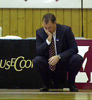 Basketball, BLNO Basketligaen 2000, Kongsberghallen 19 november. Kongsberg Penguins-Ulriken Eagles. Ulriken-trener David Swan.