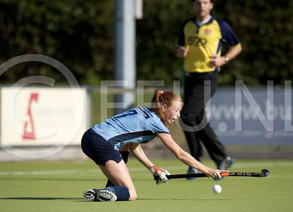 NIJMEGEN - Nijmegen-Pinoke dames.<br /> Hoofdklasse dames<br /> Foto: van Roosmalen Kim ( blauw shirt).<br /> FFU PRESS AGENCY COPYRIGHT FRANK UIJLENBROEK