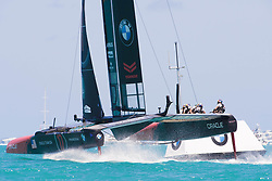 June 21, 2017 - Bermudes, USA - The Great Sound, Bermuda, 18th June. Oracle Team USA round the top mark behind Emirates Team New Zealand in race three on day two of the America's Cup. (Credit Image: © Panoramic via ZUMA Press)
