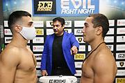 BOXEN: EC Boxing, Superleichtgewicht, Hamburg, 31.10.2020<br /> Waage: Volkan Gökcek - Octavian Gratii<br /> © Torsten Helmke