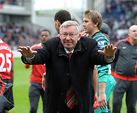 Sir Alex Ferguson Manager Celebrates by taking a bow after the final whistle<br />Manchester United 2010/11 <br />Manchester United go on to win the Premier League for the 2010/11 season. Have now Won it 19 times.<br />Blackburn Rovers V Manchester United (1-1) 14/05/11<br />The Premier League<br />Photo: Robin Parker Fotosports International