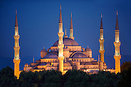 The Sultan Ahmed Mosque (Sultanahmet Camii) or Blue Mosque, Istanbul, Turkey at night. Built from 1609 to 1616 during the rule of Ahmed I. .<br /> <br /> If you prefer to buy from our ALAMY PHOTO LIBRARY  Collection visit : https://www.alamy.com/portfolio/paul-williams-funkystock/blue-mosque-istanbul.html<br /> Visit our TURKEY PHOTO COLLECTIONS for more photos to download or buy as wall art prints https://funkystock.photoshelter.com/gallery-collection/3f-Pictures-of-Turkey-Turkey-Photos-Images-Fotos/C0000U.hJWkZxAbg