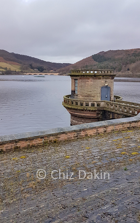 Ladybower Reservoir and Ashopton viaduct from the dam wall