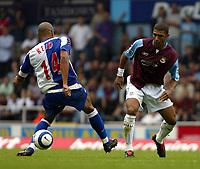Fotball<br /> England 2005/2006<br /> Foto: SBI/Digitalsport<br /> NORWAY ONLY<br /> <br /> West Ham Utd v Blackburn Rovers<br /> Barclaycard Premiership.<br /> 13/08/2005.<br /> Hayden Mullins nutmegs Steven Reid