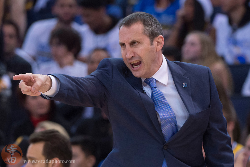 December 25, 2015; Oakland, CA, USA; Cleveland Cavaliers head coach David Blatt instructs in the fourth quarter of a NBA basketball game on Christmas against the Golden State Warriors at Oracle Arena. The Warriors defeated the Cavaliers 89-83.