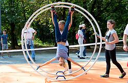 24.09.2016, Prater, Wien, AUT, Tag des Sports 2016, im Bild Kinder beim Stand des Röhnradverband // during Tag des Sports at Prater in Vienna, Austria on 2016/09/24 EXPA Pictures © 2016 PhotoCredit: EXPA/ Sebastian Pucher