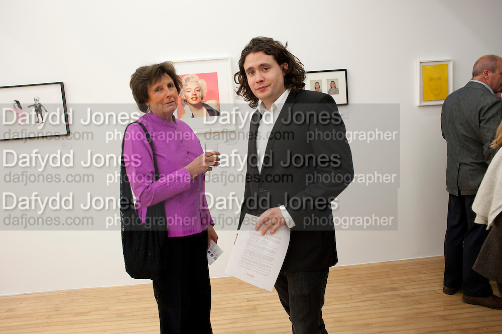 LADY ANNABEL LINDSAY; ADAM WAYMOUTH, Hoxton Sq projects auction in aid of Shelter. .- Hoxton sq. Gallery. 24 November 2010. . -DO NOT ARCHIVE-© Copyright Photograph by Dafydd Jones. 248 Clapham Rd. London SW9 0PZ. Tel 0207 820 0771. www.dafjones.com.