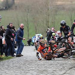 25-02-2017: Wielrennen: Vrouwen Omloop Het Nieuwsblad: Gent <br />GENT (BEL) wielrennen <br />Ellen van Dijk rijdt door terwijl Amy Pieters en Megan Gaunier vallen. Elisa Longo Borghini kan in de benen blijven