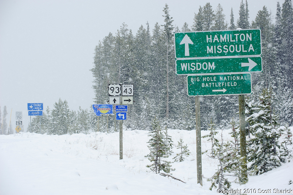 I only wanted to go to Salmon, Idaho but the pass at the border of Montana and Idaho had a different plan for me. The snow kept me from going further and my best 'Wisdom' told me not to turn right but to head right back to Missoula.