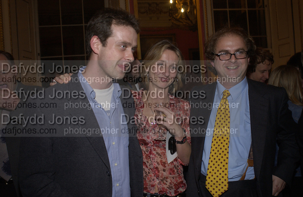 Nathaniel Waugh, Daisy Waugh and Alexander Waugh. Bad Sex Awards. In and Out Club. 4 December 2001. © Copyright Photograph by Dafydd Jones 66 Stockwell Park Rd. London SW9 0DA Tel 020 7733 0108 www.dafjones.com