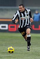 "Simone Pepe (Juventus)<br /> Verona, 19/12/2010 Stadio ""Bentegodi""<br /> Chievo-Juventus<br /> Campionato Italiano Serie A 2010/2011<br /> Foto Nicolo' Zangirolami Insidefoto"