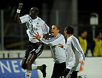 Fotball<br /> Frankrike<br /> Foto: DPPI/Digitalsport<br /> NORWAY ONLY<br /> <br /> FOOTBALL - FRENCH CHAMPIONSHIP 2008/2009 - L2 - VANNES OC v MONTPELLIER HSC - 27/03/2009 - JOY OUMAR N'DIAYE (VAN) AFTER HIS GOAL. HE IS CONGRATULATED BY NICOLAS DIGUINY AND SEID KHITER