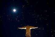 Pocos de Caldas_MG, Brasil...Replica da estatua de Cristo Redentor fotografada a noite...The statue reply of Christ Redeemer in Pocos de Caldas at night...Foto: JOAO MARCOS ROSA /  NITRO