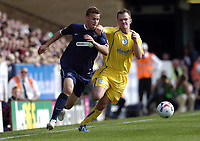 Photo: Olly Greenwood.<br />Southend United v Sheffield Wednesday. Coca Cola Championship. 09/09/2006. Southend's Simon Francis and Sheffield's Steve Adams