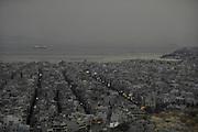 Griekenland, Athene, Piraeus, 28-6-2011  Zicht op de havenstad Piraeus, haven van Athene .Foto: Flip Franssen
