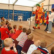Jeugdmiddag Zuidvogels Huizen, optreden clown