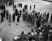 26/04/1959<br /> 04/26/1959<br /> 26 April 1959<br /> Cardinal Cushing leaves for Boston from Dublin Airport. The Cardinal addresses the crowd by the runway before boarding his flight.
