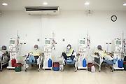 El Moncho, al centro, durante una seduta di dialisi nella clinica privata Cruz Azul di Managua.<br /> <br /> 19 maggio  2016 . Daniele Stefanini /  OneShot
