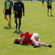 SV Huizen - Dovo 0-1, Raymond Prins gewond