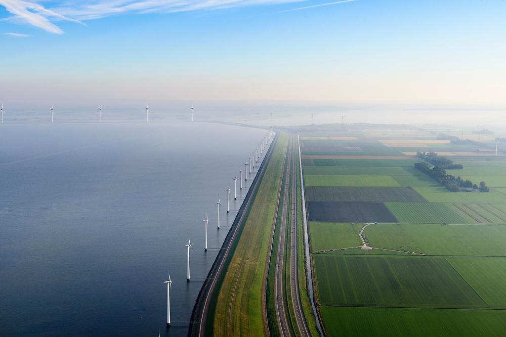 Nederland, Flevoland, Lelystad, 04-11-2018; energielandschap: windmolens in de ochtendnevel, Oostelijk Flevoland, ter hoogte van Maxima centrale, IJsselmeerdijk.<br /> Energy landscape, wind turbins in the morning haze.<br /> <br /> luchtfoto (toeslag op standaard tarieven);<br /> aerial photo (additional fee required);<br /> copyright© foto/photo Siebe Swart